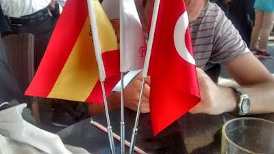 estambul turquia españa bar banderas