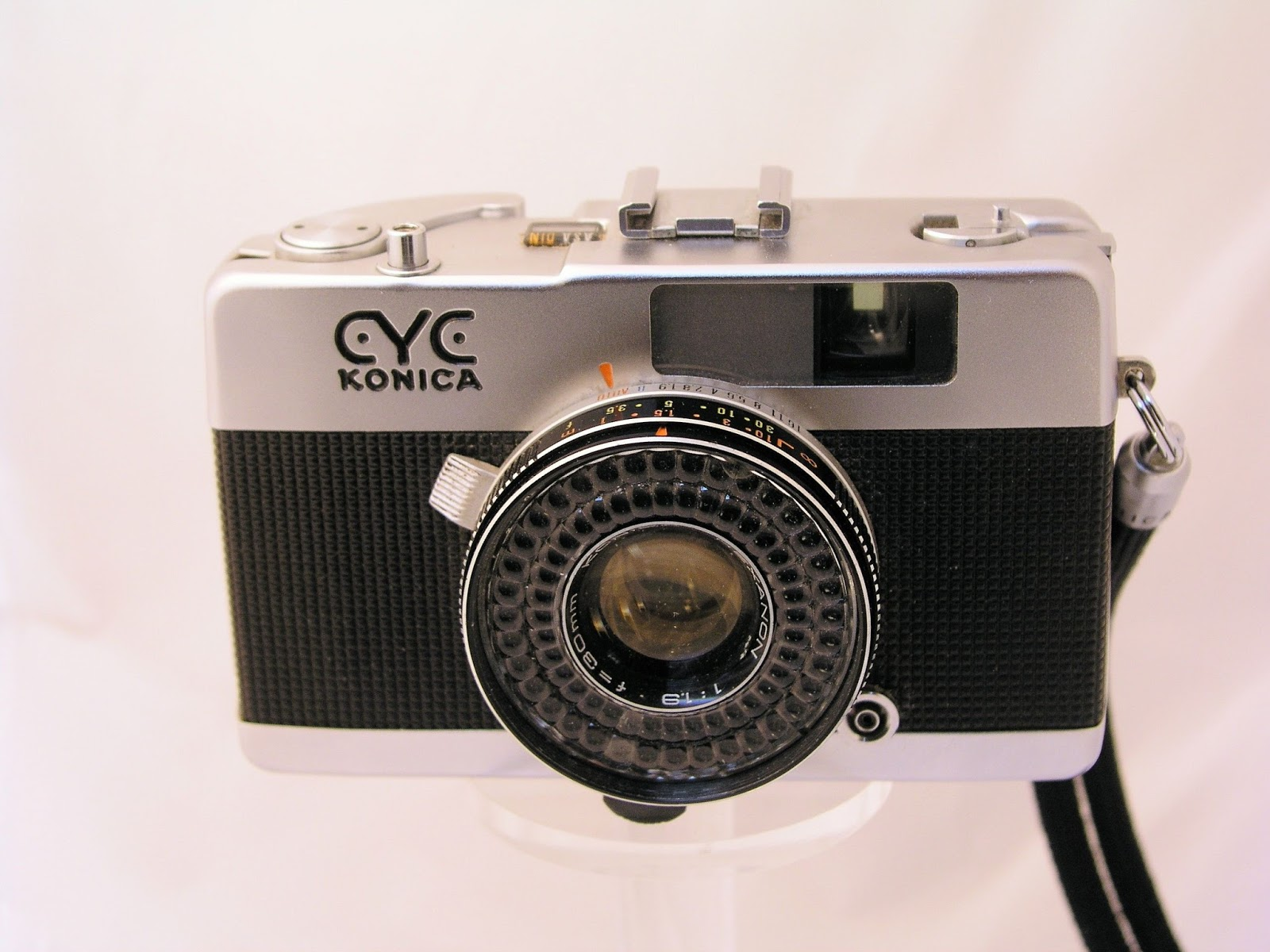 Eyeglass Frame Camera : Random Camera Blog: A Look Through the Konica EYE