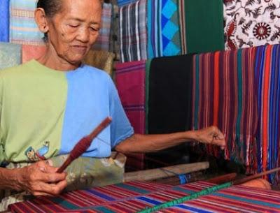 Unsur Estetika Dan Ergonomis Produk Kerajinan (Tekstil)