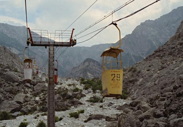 Ouzbékistan, Chakhimardan, téléphérique, © Louis Gigout, 1999
