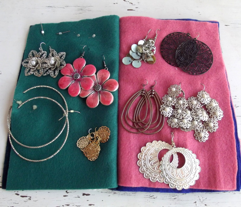 Morning by Morning Productions: Travel Earring Book Tutorial