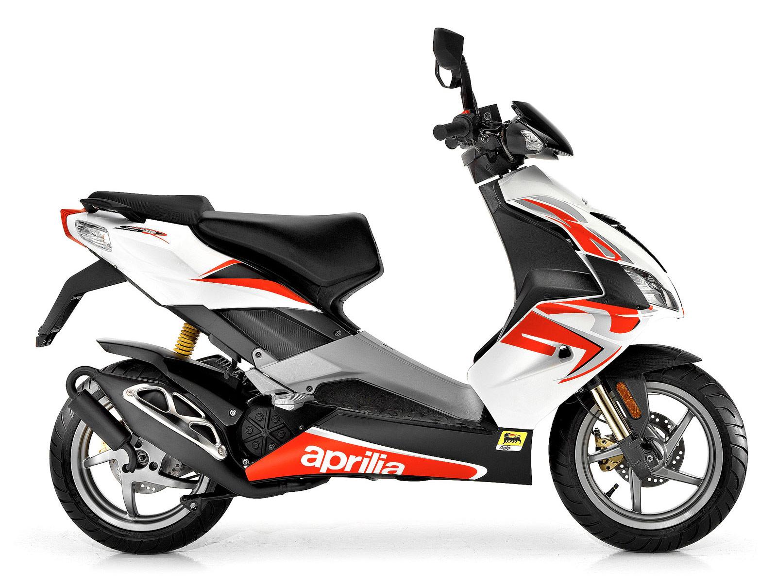 2011 aprilia sr50 scooter pictures insurance information. Black Bedroom Furniture Sets. Home Design Ideas