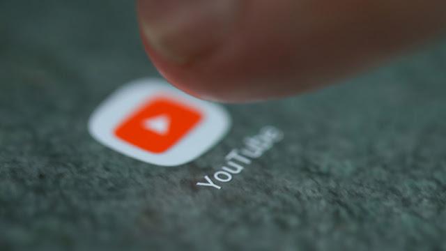 YouTube pierde millonarios contratos publicitarios por comentarios de pedófilos en miles de videos