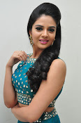 srmukhi new gorgeous looking sills-thumbnail-4