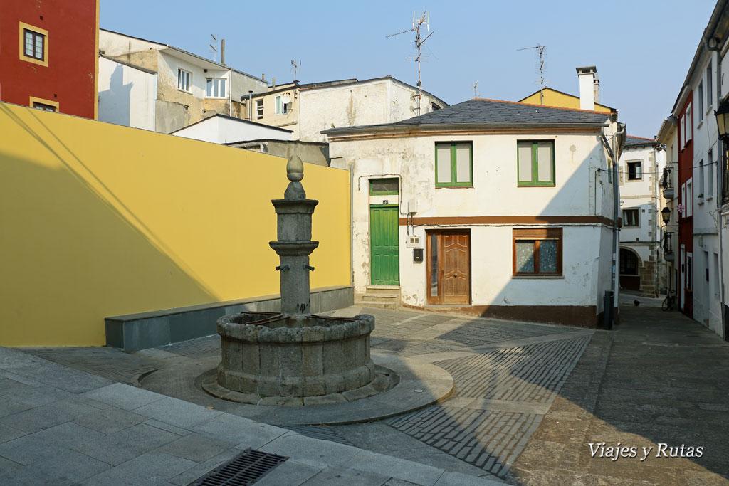 Plaza de los 4 caños, Ribadeo