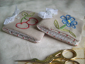 EMBROIDERY NEEDLECASE