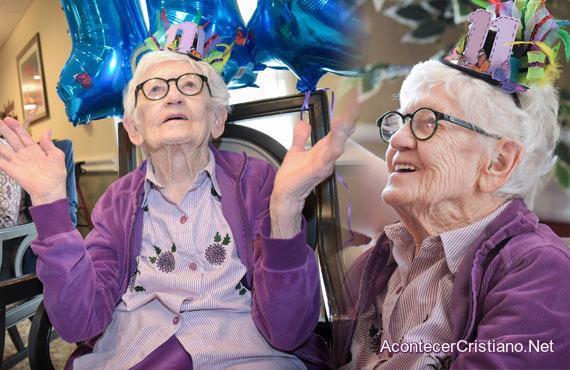 Anciana de 111 años celebra cumpleaños