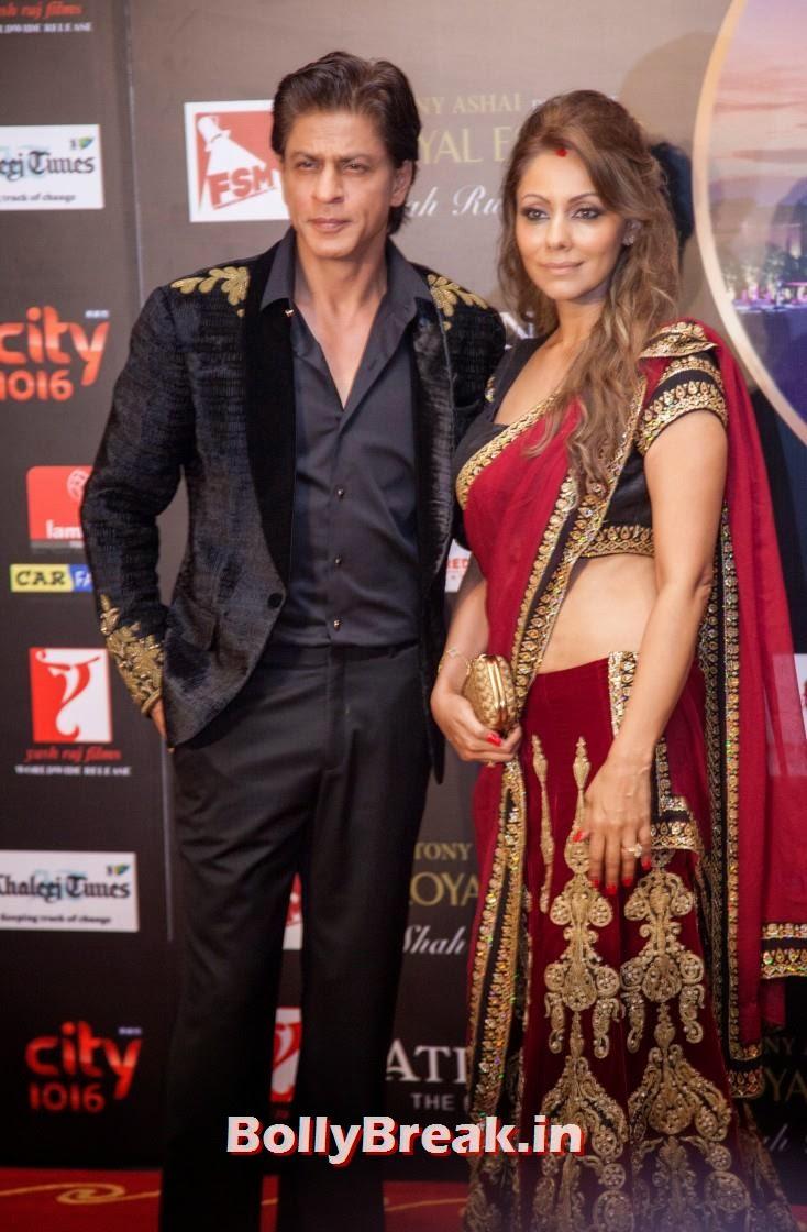 Shah Rukh Khan with wife Gauri, Happy new Year Dubai Premiere Photos