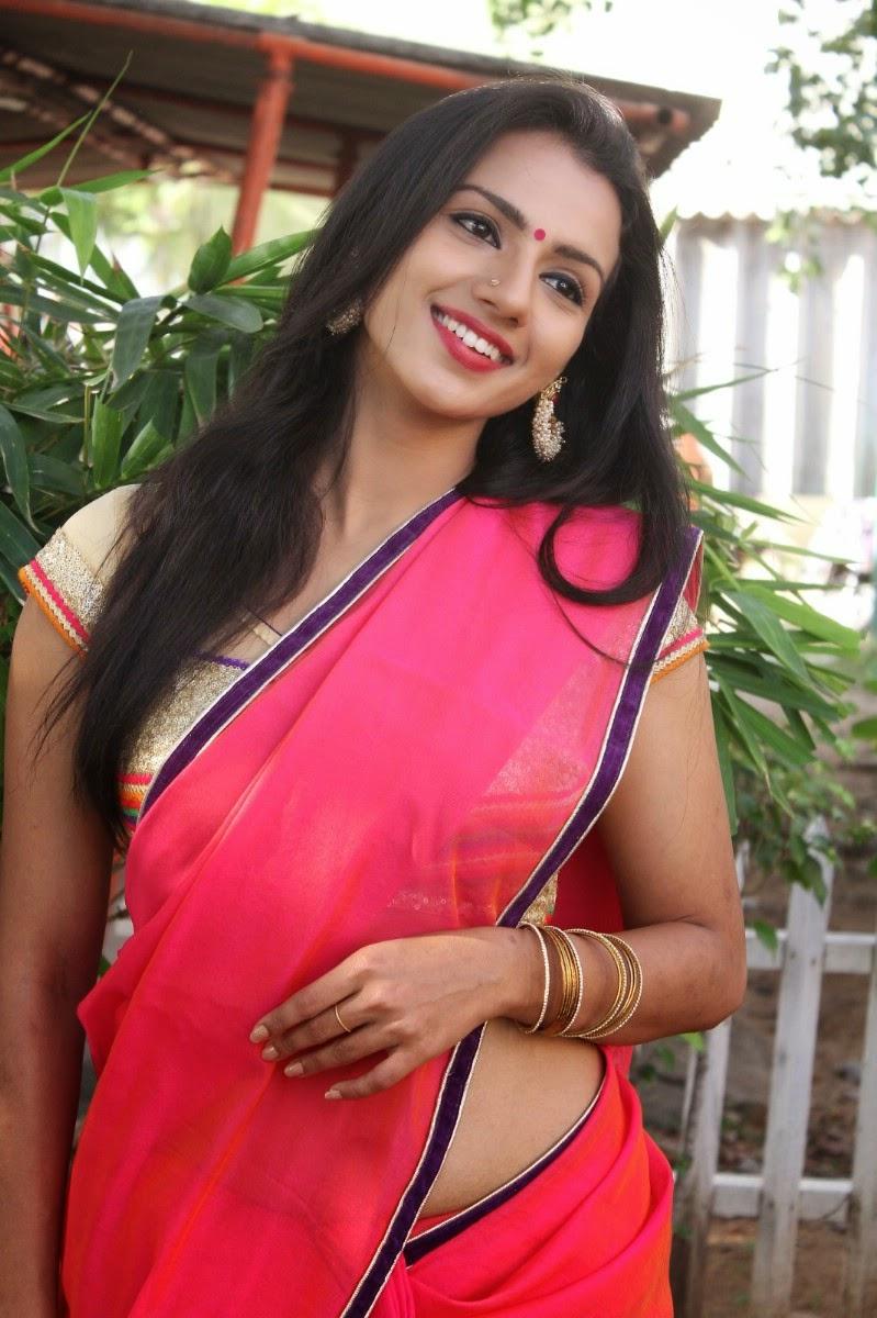 Shruthi Hariharan Hot And Spicy Stills - Hd Latest Tamil -8486