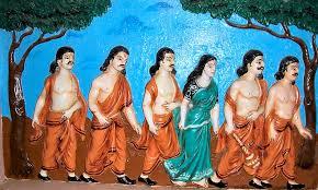 Drupadi menjadi istri Pandawa Lima