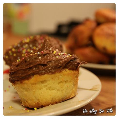 http://unblogdefille.blogspot.com/2010/11/mes-premiers-cupcakes.html