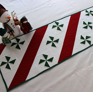 Peppermint-Candy-Christmas-Table-Runner