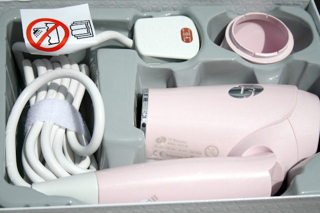 T3 PINK COMPACT TRAVEL HAIRDRYER