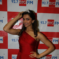 Glorious Deepika padukone sexy in red dress