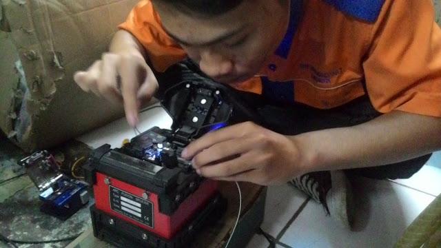 Mengupas Dan Menyambungkan Kabel FO Dengan Fushion Sflicer - Gateway Ilmu
