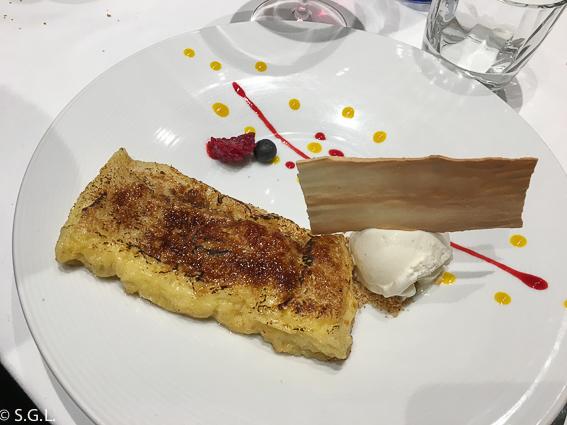 Torrija caramelizada. Restaurante Amaren. Comer en Bilbao