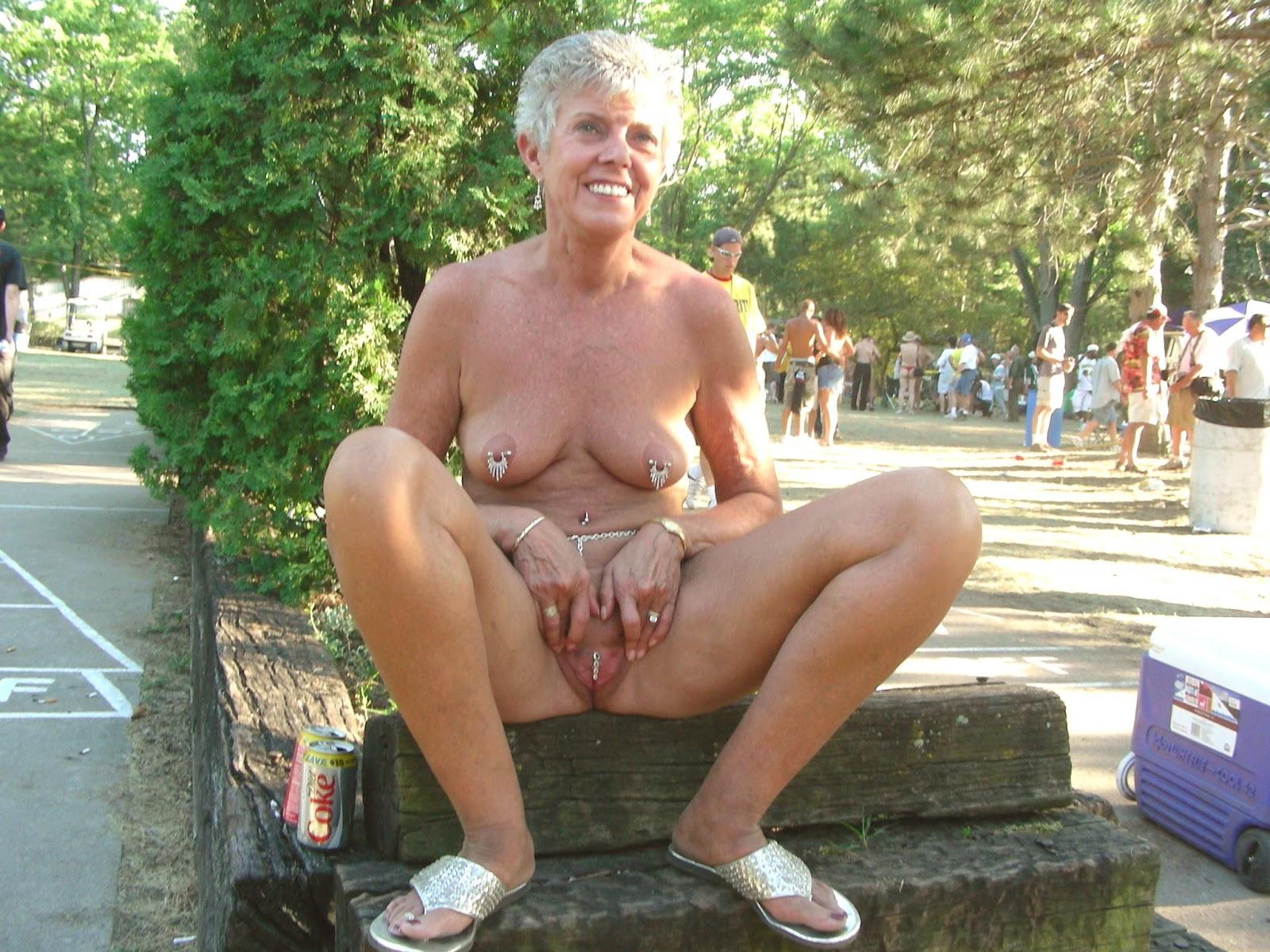 Mature Women Masturbating In Public