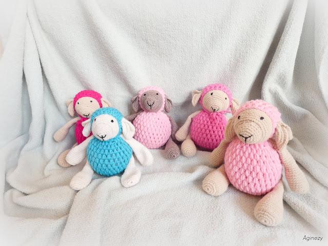 Zabawki robione szydełkiem – owieczka