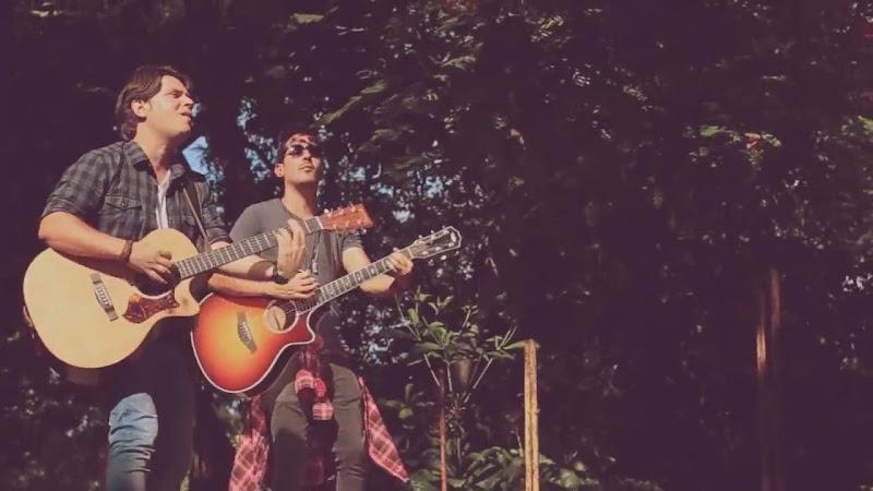 Mauricio Figueiral - Adrián Berazaín - ¨Mal acompañada¨ - Videoclip. Portal Del Vídeo Clip Cubano