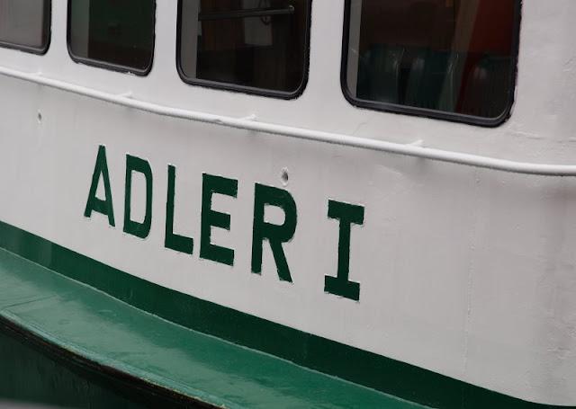Einfach mal Fähre fahren: Mit dem Adler I von Kiel-Wik nach Holtenau und zurück. Die Adler 1 ist die kleinste Fähre des Nordens!