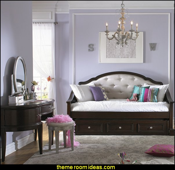 Hollywood Glam Themed Bedroom Ideas   Marilyn Monroe Old Hollywood Decor    Hollywood Vanity Mirrors