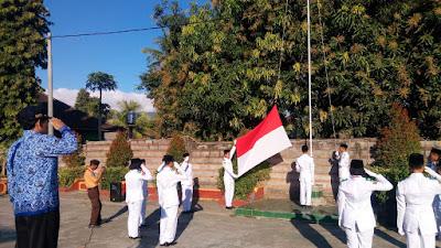 upacara hari kemerdekaan ri