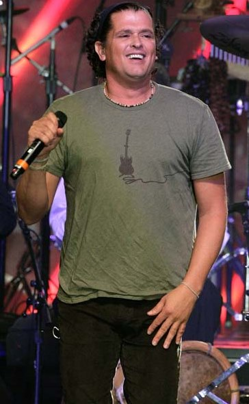 Foto de Carlos Vives en el escenario