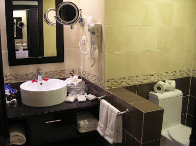 Baño suite Hotel Sirenis Punta Cana, vuelta al mundo, round the world, mundoporlibre.com