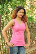 Aarthi glamorous photo gallery-thumbnail-10