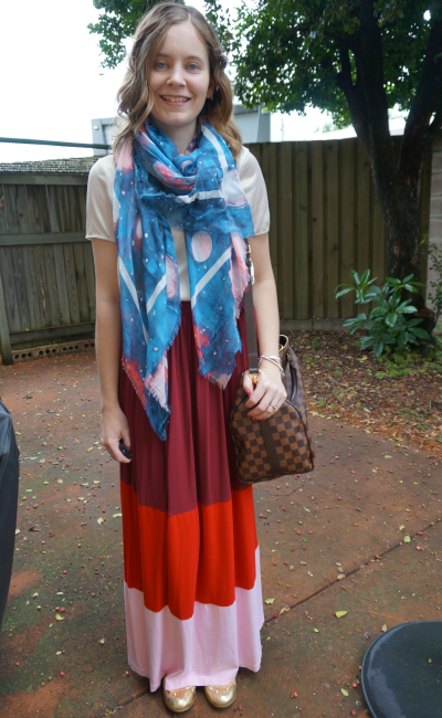 blanket scarf metallic tee, asos colour block maxi skirt gold flats LV speedy