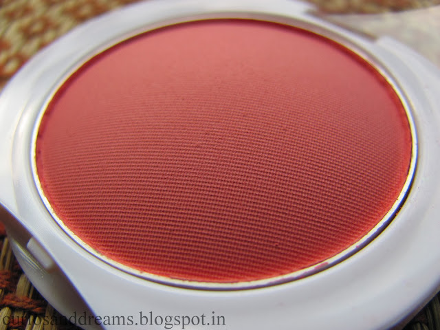 Maybelline Cheeky Glow Blush review, Maybelline Cheeky Glow Blush, Maybelline Cheeky Glow Blush swatch, Maybelline Cheeky Glow Blush fresh coral review, Maybelline Cheeky glow blush fresh coral swatch
