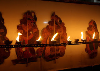 Tholppavakoothu, the shadow puppetry at Mahabharata Vicharam, the cultural festival organised by Kerala Lalithakala Academi, Thrissur: 30 Oct - 10 Nov 2016