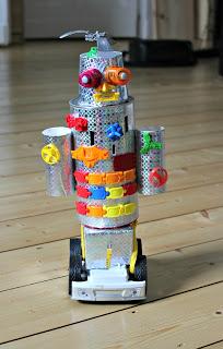 Робот поделка