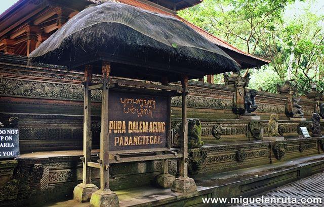 Pura-Dalem-Agung-Monkey-Forest