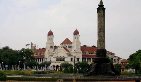 Wisata Khas Semarang dan Menginap di Crowne Plaza Semarang