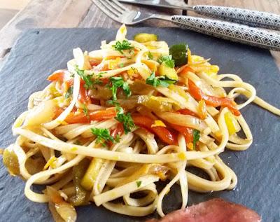 """alt=""""nouilles chinoises aux légumes"""""""