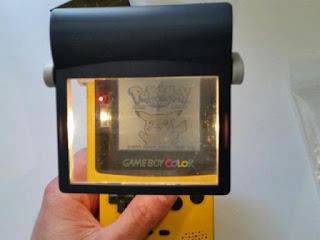 Con este dispositivo podemos ampliar la pantalla para visualizar mejor el juego si esforzar la vista