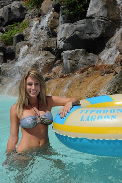 flash at park Bikini water
