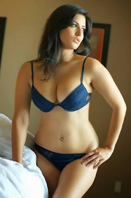Sunny Leone Latest Hot Photo Shoot in Bikini