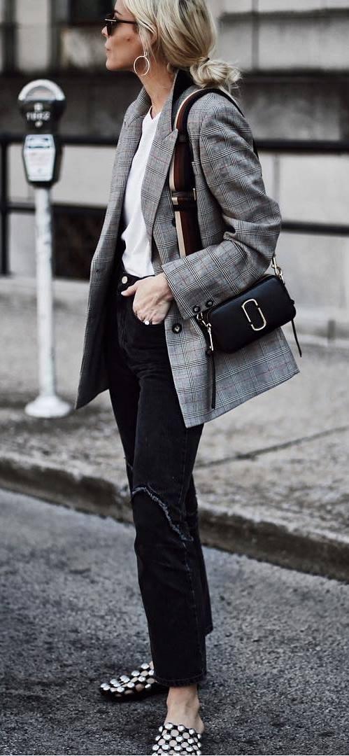 office style perfection / plaid blazer + top + jeans + flip-flop