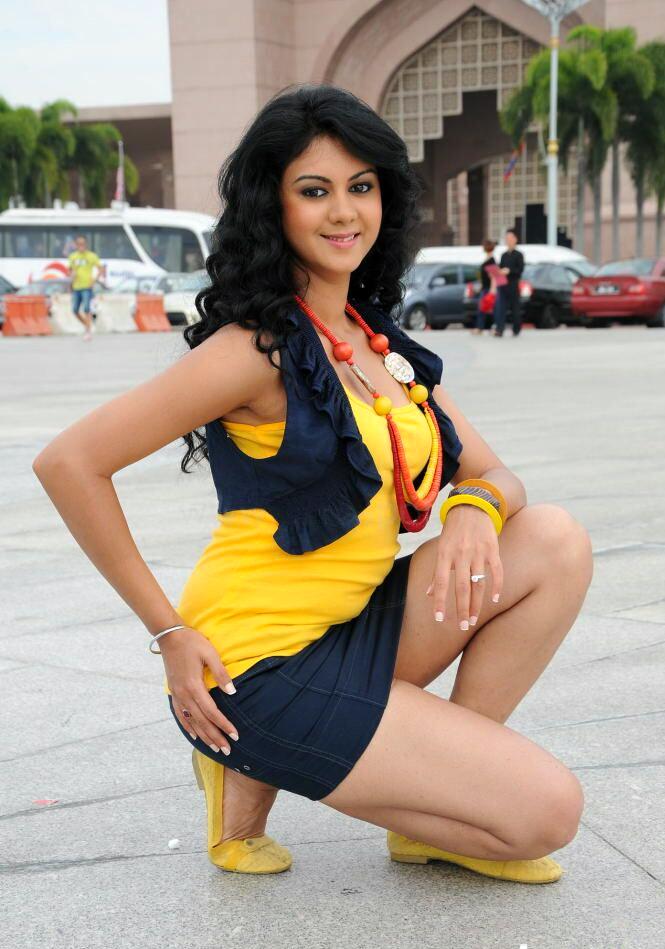 Beauty Galore HD : Kamna Jethmalani Milky Thighs Breathtaking Hot