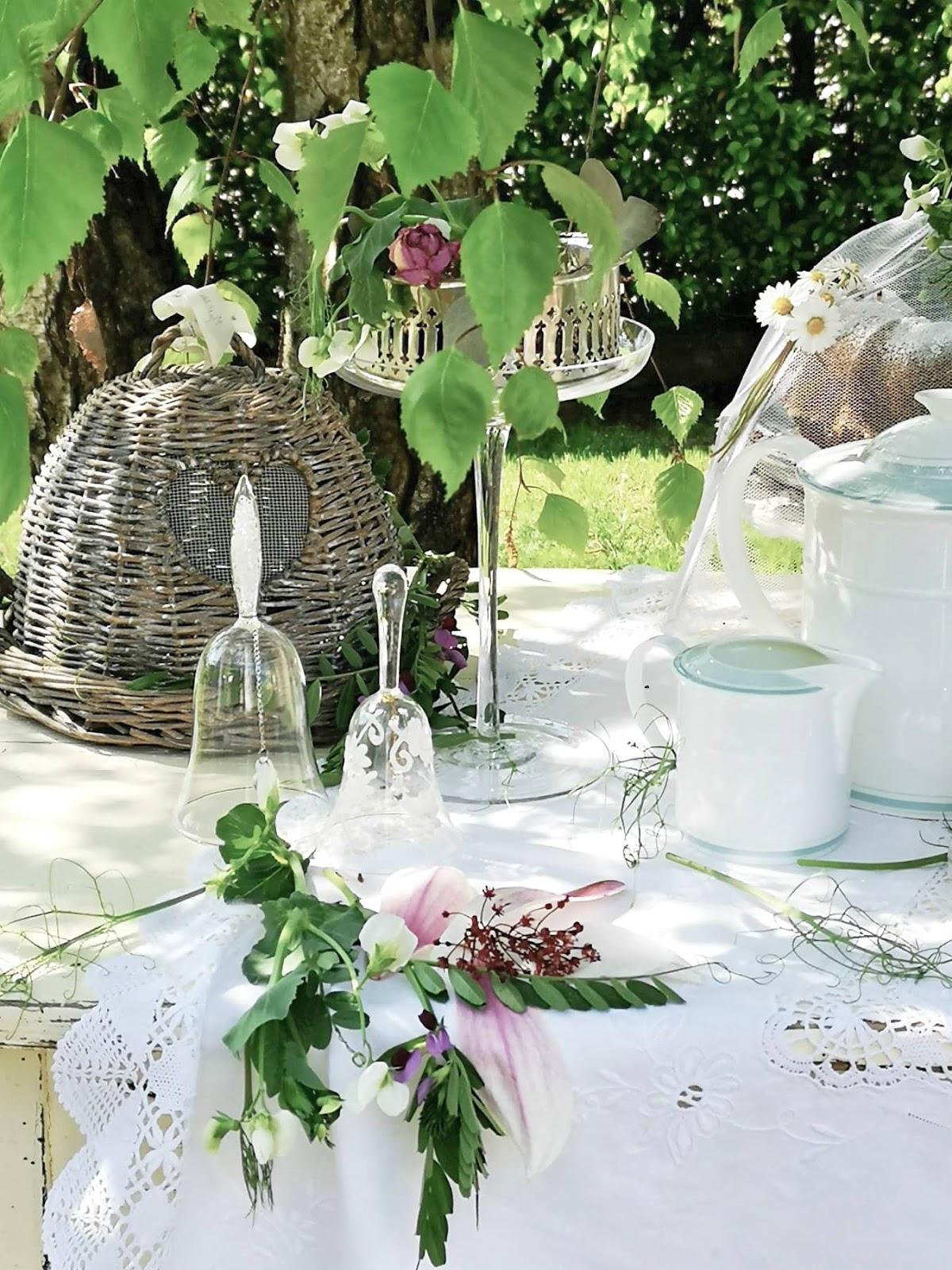 come organizzare una tavola da the in giardino