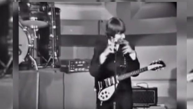 Mofa de John Lennon a discapacitados causa Indignación