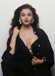 Aishwarya Rai Bold Picture In Black Dress