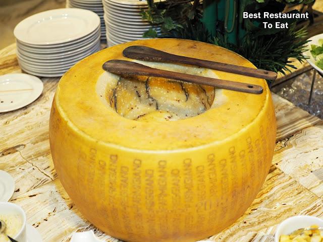 cheese wheel pasta One World Hotel Bandar Utama Cinnamon Coffee House