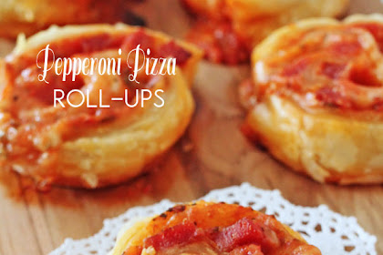 SLICE AND BAKE PIZZA ROLL-UPS