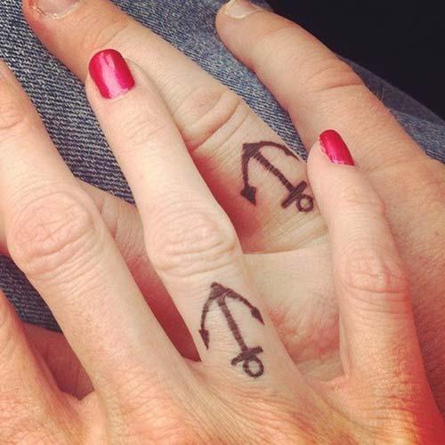 wedding rin finger anchor tattoo çapa yüzük parmağı sevgili dövmesi