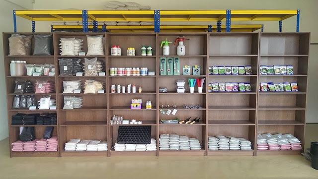 Kebuna kedai pertanian tepi Putrajaya