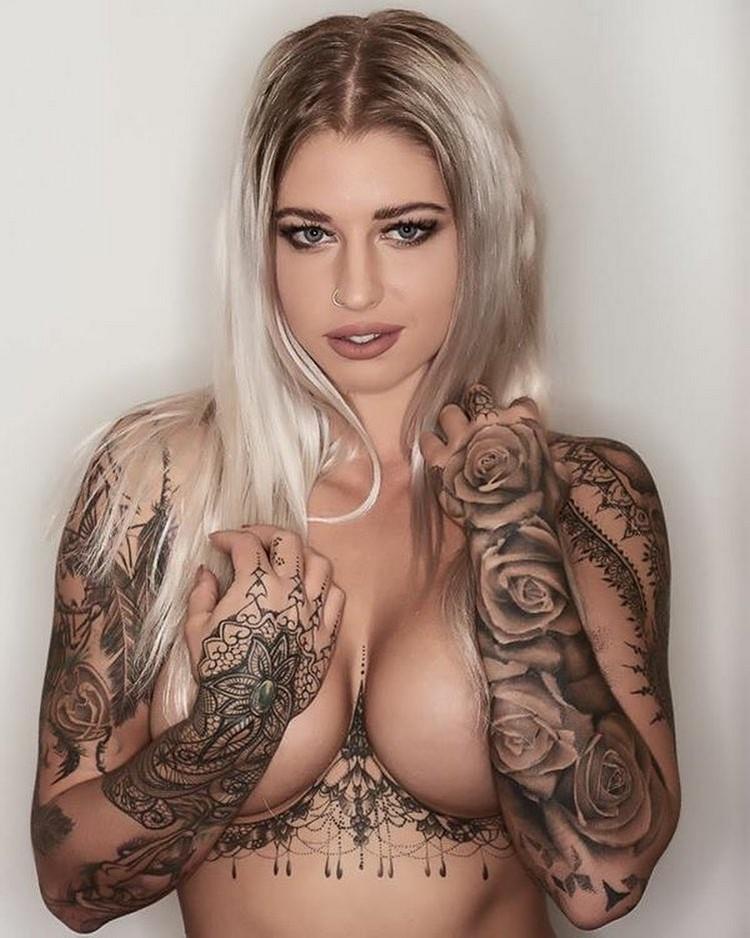 Tattooed Model Vicky Aisha
