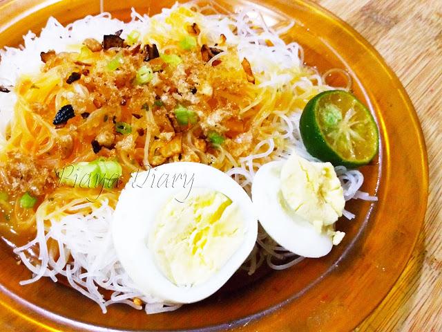 Filipino Dish Palabok